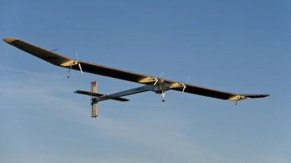 Solarflugzeug Solar Impulse: über Sevilla und Gibraltar nach Rabat