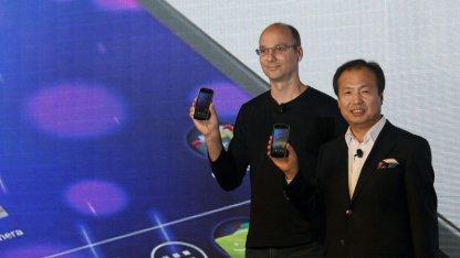Andy Rubin (l.) bei der Vorstellung des Galaxy Nexus