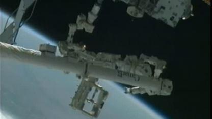 Mr. Dextre auf dem Canadarm 2 im Einsatz (im März 2012)