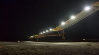 Geschafft: Solar Impulse landet am frühen Donnerstagmorgen in Ouarzazate.