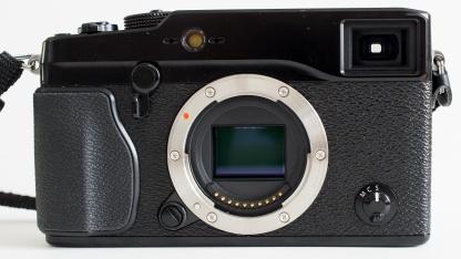 Fujifilm X-Pro1 mit eigenem Bajonettsystem