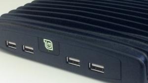 Die Mintbox in der Pro-Ausgabe dient gleichzeitig als Kühlkörper für den lüfterlosen Desktoprechner.