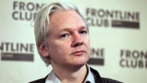 Julian Assange nach dem Urteil Ende Mai 2011