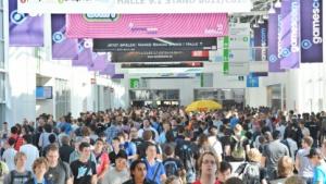 Gamescom 2011 - Blick auf den Messeboulevard