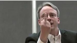 Linus Torvalds zeigt Nvidia den Stinkefinger.
