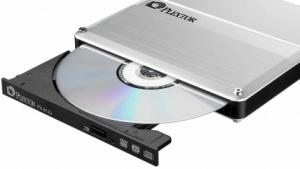 Plextor: DVD-Brenner schummelt sich als Festplatte durch
