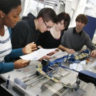 Heimautomation: Maschine bindet Krawattenknoten