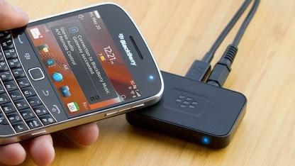 Das Blackberry Music Gateway unterstützt das Bluetooth-Pairing mit NFC.