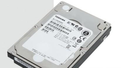 Nach Hitachi, WD und Seagate bietet nun auch Toshiba schnelle 900-GByte-Festplatten an.