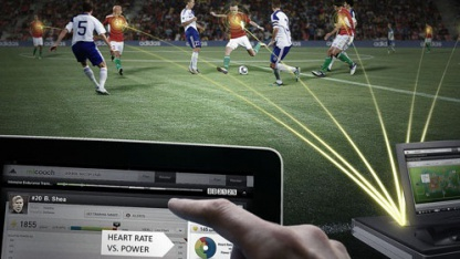 Spezialkleidung und Sender übermitteln Spielerdaten in Echtzeit.