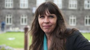Birgitta Jónsdóttir (2010): von Reisen in USA abgeraten