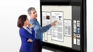 Multitouch-Display mit 82 Zoll