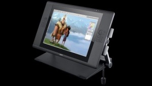 Cintiq 24HD touch - Wacoms erstes Multitouch-Display-Zeichentablet