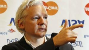 Julian Assange: Verpflichtet, Zahlungen an Carte-Bleue-Kunden abzuwickeln