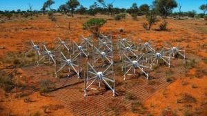 MWA-Antennen: Weitfeldbilder des Himmels in Echtzeit