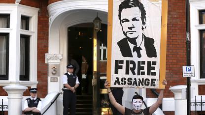 Asange-Unterstützer vor der ecuadorianischen Botschaft in London