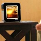 Instabox: Instagram-Bilder auf dem Nachttisch