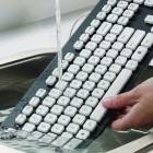 Logitechs Washable Keyboard K310: PC-Tastatur zum Abspülen