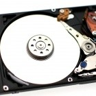 HDD+SSD: Toshiba zeigt erste Hybrid-Festplatte mit 1 TByte