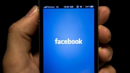 Datenweitergabe: Verbraucherzentrale mahnt Facebook wegen App Center ab
