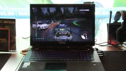XMG P722: Notebook mit 3D-Display ohne Brille