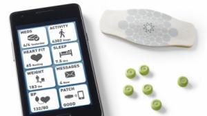 Pille mit Chip: Tabletteneinnahme, Herzschlag, Bewegung
