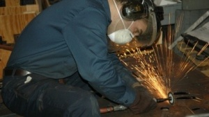 Techniker der US-Armee in Rapid Prototyping Facility: 3D-Druckerei im Container