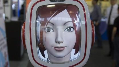 Furo auf der Ifa: Roboter akzeptiert Kreditkartenzahlung.