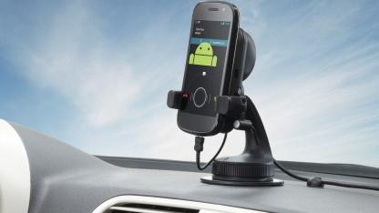 Tomtoms Car Kit für Smartphones und kleine Tablets