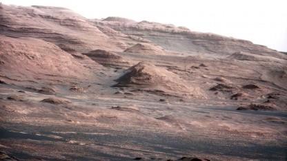 Gesteinsformation auf dem Mars (aufgenommen von Curiosity): Übereinstimmung mit vulkanischem Ton vom Mururoa-Atoll