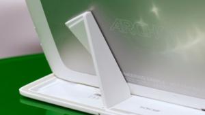 Magneten halten das Tablet im Tastaturdock.