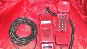 Modell Dallas LX in der Farbe Rot