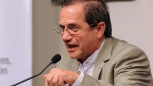 Euadors Außenminister Ricardo Patino bemüht sich um eine diplomatische Lösung für Julian Assange.