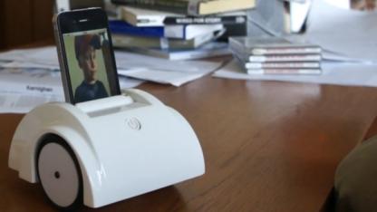 Telepräsenzroboter Helios mit einem iPhone