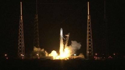 Start der Raumfähre Dragon am 8. Oktober: Aufblitzen und Trümmerteile