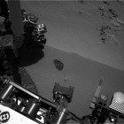 Raumfahrt: Curiosity buddelt im Marssand