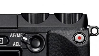 Roter Video-Aufnahmeknopf der Sony NEX-7