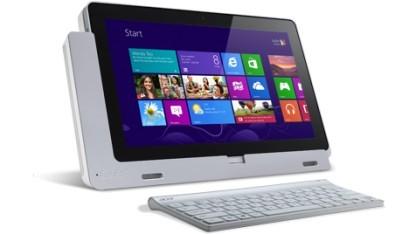 Das Acer W700 mit Dockingstation und Tastatur