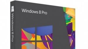 Windows 8 Pro kommt in der Pappschachtel.