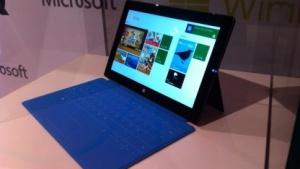 Microsoft zeigte Surface am 25. Oktober 2012 in Berlin nur hinter Glas.