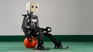 Roboter: Bonner Universität stellt neuen Robofußballer vor