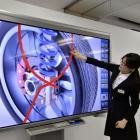 Sharp-Partnerschaft: Foxconn plant 3,3-Meter-LCD-Fernseher