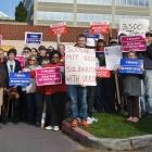 Gewerkschaft: T-Mobile-Callcenter-Mitarbeiter müssen Eselsmützen tragen