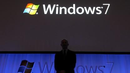 Steven Sinofsky präsentiert Windows 7 im Oktober 2009.