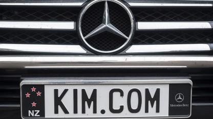 Dotcoms Wagen bei einem Gerichtstermin im September 2012