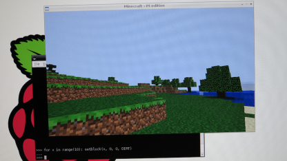 Minecraft: Pi Edition - spielen und spielend Programmieren lernen