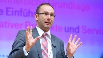 Bruno Jacobfeuerborn, Geschäftsführer Technik Telekom Deutschland auf dem IPv6-Gipfel