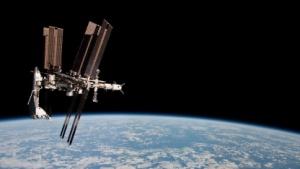 ISS mit Spaceshuttle (im Mai 2011): dritthellstes Objekt am Himmel
