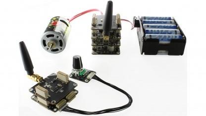 Zwei drahtlos verbundene Brick-Stapel mit Motor und Batterie