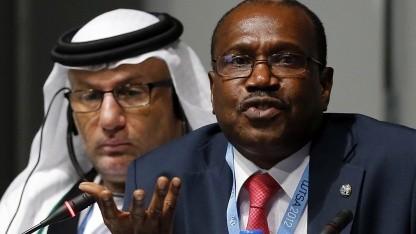 ITU-Generalsekretär Hamadoun Touré (vorne) und WCIT-Leiter Mohamed Al Ghanim